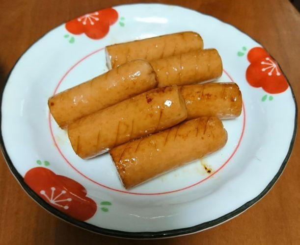 今日のベストおつまみは高級な魚肉ソーセージの醤油炒め