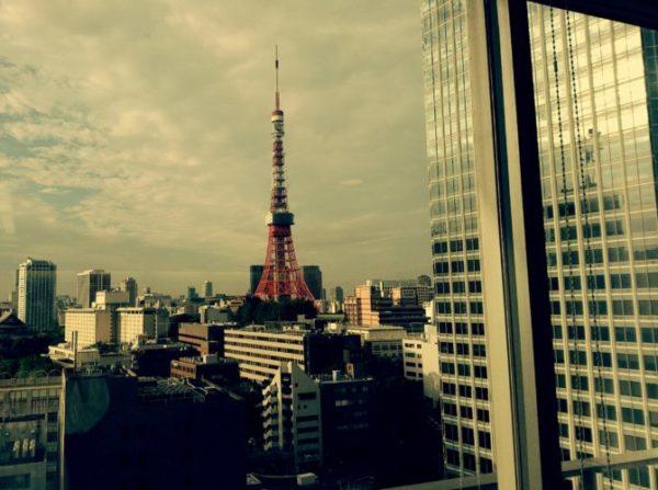 ロビーからみた東京タワー