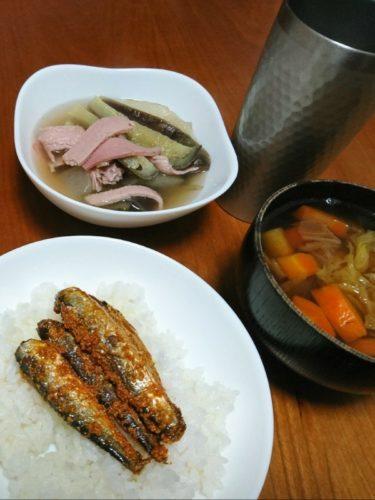 煮しめ汁と茄子の煮物といわし明太