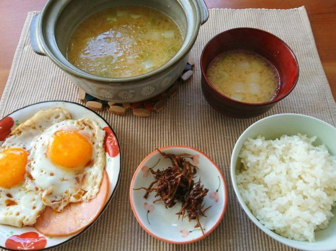 土鍋でじっくり煮た長ネギの味噌汁