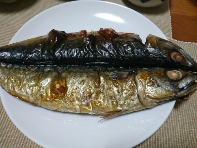 金華サバの干物と鯛アラの味噌汁
