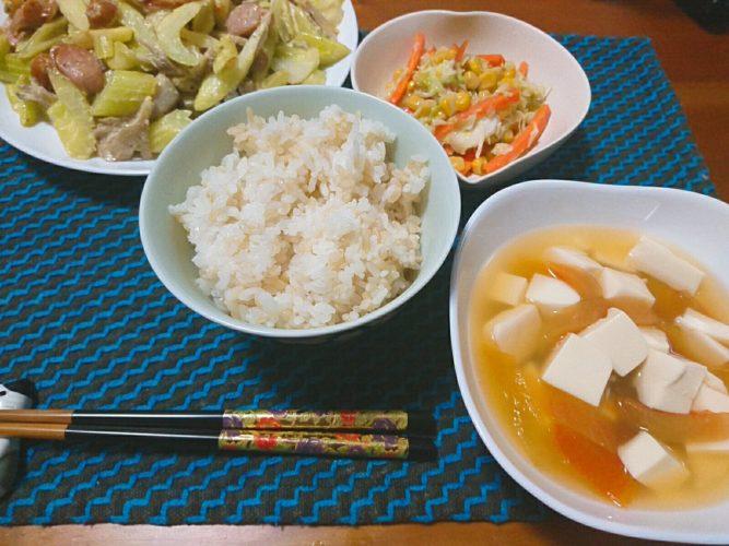セロリと舞茸とウインナーのマヨ炒め