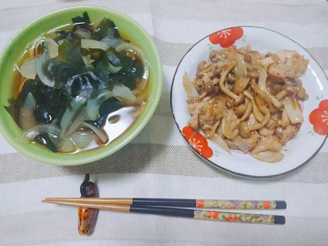 夜食に温麺と鶏もも三椒炒め