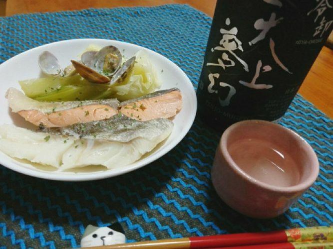 鮭と鱈のアクアパッツア、〆は土鍋ご飯と椎茸