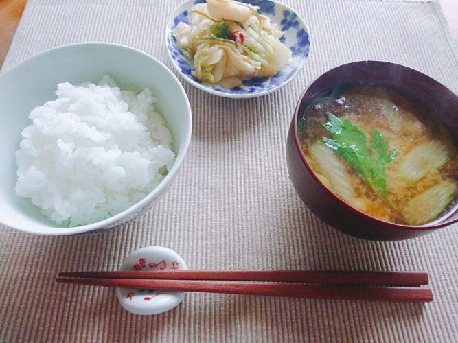 ご飯も味噌汁も土鍋で作った昼食