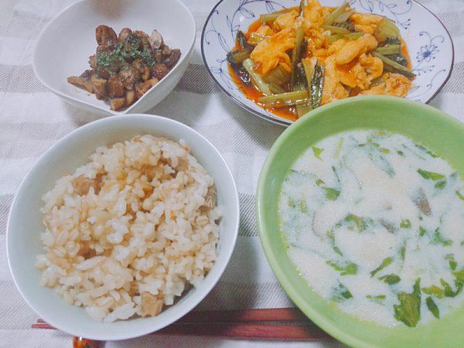マッシュルームのバター醤油炒めと卵と小松菜の甘酢炒め