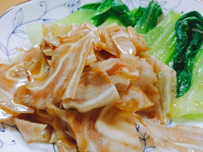 中華だれで和えたミミガー、ホッキ貝の酢味噌和えと魯山人醤油で仕上げた鶏大根