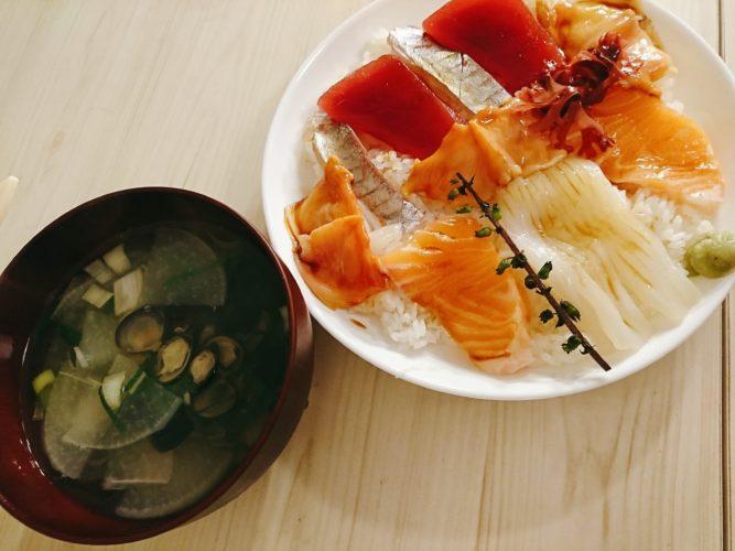 平皿で作る握らない寿司が食べやすくて楽しい