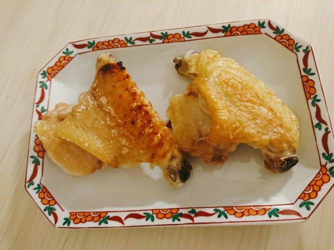 魚焼きグリルで焼いた手羽中の塩焼きとシンプルなキムチチャーハン