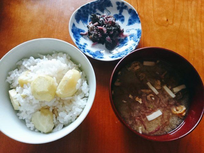 土鍋で炊いたシンプルな栗ご飯。