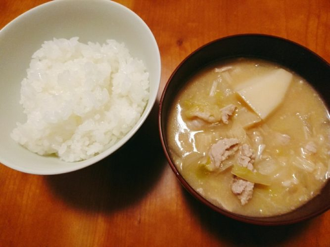 寒い日の納豆汁