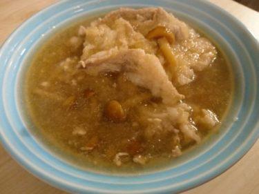 納豆パスタ、豚肉となめこのおろし煮と蕎麦
