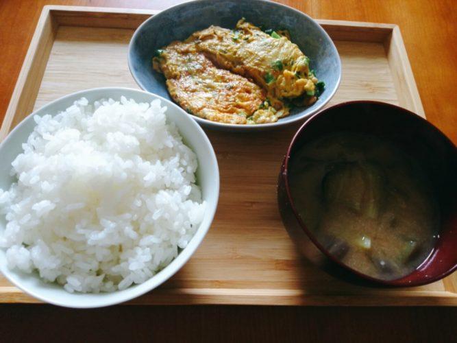 ご飯味噌汁卵焼き
