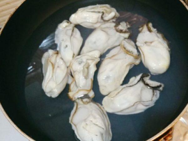 冷凍蒸し牡蠣