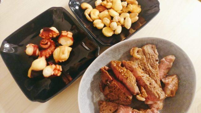 牛肉とタコとナッツ