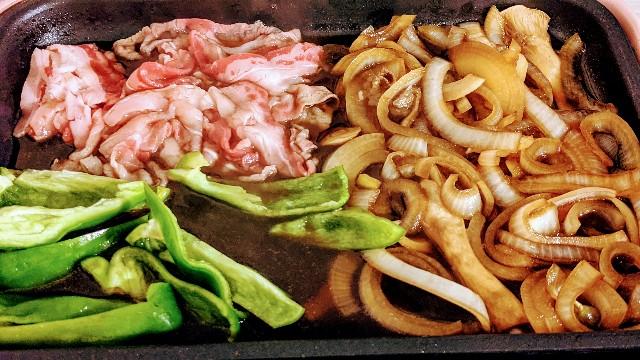 二回目の肉を煮る