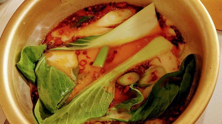 火鍋にチンゲン菜